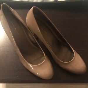 Beige patent heels